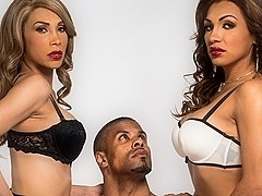 Robert Axel & Jessy Dubai & Sunday Valentina in TS Girls On Top Video