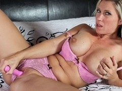 Devon Lee in Getting off solo Video