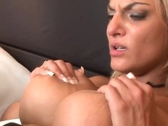 Elegant eurobabes fingerfuck and pussylick