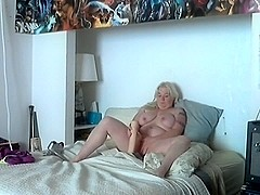 Wife finsihes riding sex tool AFTER realizing crew outside