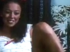 Vintage Young girl Pussy Shaving And Fucking
