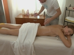 Hotty with piercing oral-job with massage spunk flow