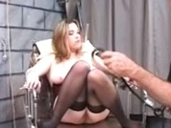 DD bondaged blond in corset get to mount electric sex-toy