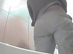 Blonde amateur got her sexy ass on the peeing spy cam