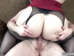 Curvy housewife Naomi St Claire is fucking a fortunate geek