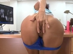 Smoking hot Chilean MILF sucks cock and fondles pussy