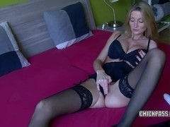 Czech MILF Lexie Starr is playing with her big dildo