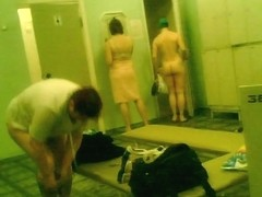 Amateurs of all body shapes on dressing room spy cam