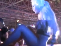 Curvaceous blonde performs her mind-blowing dance