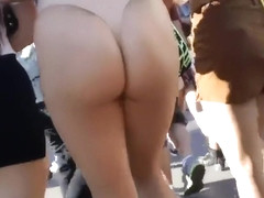 Spectacular buttocks of the shameless chick