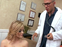Alexis Texas gives head to filthy Mick Blue