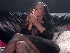 Kiki Minaj smoking sex