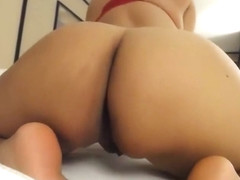 Spanish goddess plays with ass