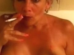 Hot Busty Aged Cougar Smokin' 120s In Tub