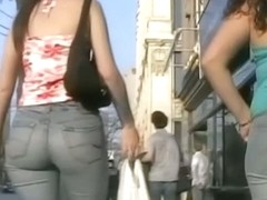 Young brunette girl candid ass in jeans