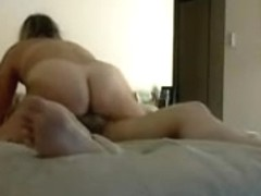Chunky mature wife knows how to ride