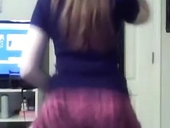 White girls can twerk too !