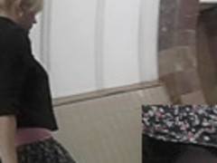 Upskirt pussy of a young blonde babe is delicious
