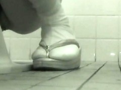Hidden cam spying toilet pissing in the real close ups
