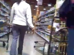 cameltoe at grocery store