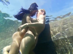 Isis Love is having an amazing sex under the water