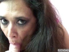Curvy mother I'd like to fuck Alesia Enjoyment licks balls and sucks ding-dong
