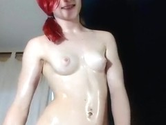 Hannahjamescb: Hot red-haired Brit cums with a hitachi