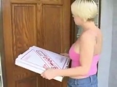 this chab fuck tthis chab pizza girl