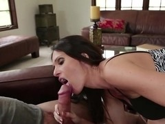 Jennifer Dark is offering a BJ for a boy to leave
