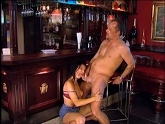 Bartender acquires a priceless oral stimulation