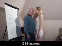 Old recruiter test young blonde with ass fuck