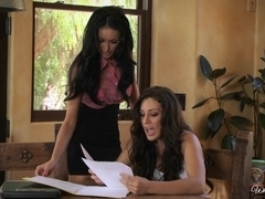 WhenGirlsPlay: Brean Nebenson & Gracie Glam