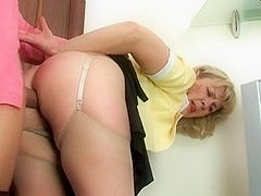 Hot mom-slut & muscled guy