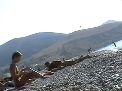 Hot amateur video of some sexy babes on the beach