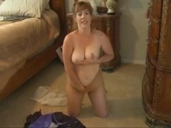 Sexy Milf Strip & Play 2