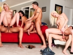 Whitney Grace,Maia Davis,Taylor Russo,Alex Gonz,Joey Brass,Marco Banderas in Neighborhood Swingers.