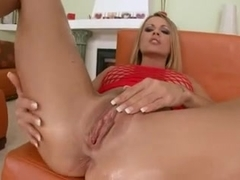 Blonde MILF Aida gets an anal creampie from Guy Jamaica