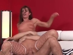 Anal sex for this brunette