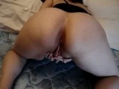 Fat ass wife masturbates hard