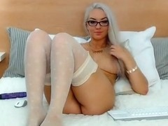 Bespectacled beauty BellaaSweet
