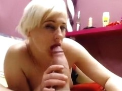 HornECouple: Blowjob in front of webcam
