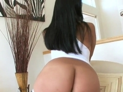 Naughty hot Kya Tropic in superb solo show!