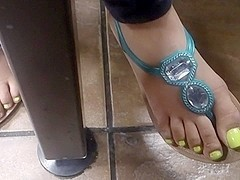 Feet in the cafe