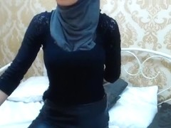 Brunette Muslimgirl fingering his anus