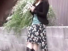 Sharking video showing a Japanese girl in cute pink panties