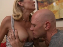 Hot mature bitch Brenda James demonstrates her experience